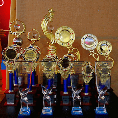 AlignMinds trophies for winners